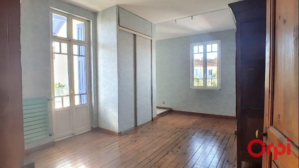Maison à louer 5 140.95m2 à Perpignan vignette-10
