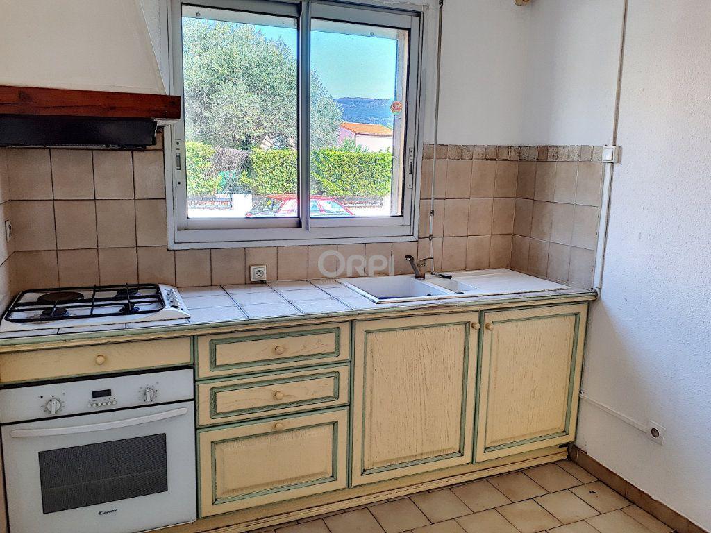 Maison à louer 5 90m2 à Prades vignette-5