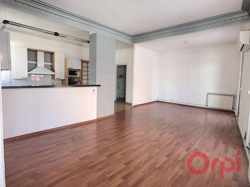 Appartement à louer 3 87.03m2 à Perpignan vignette-3