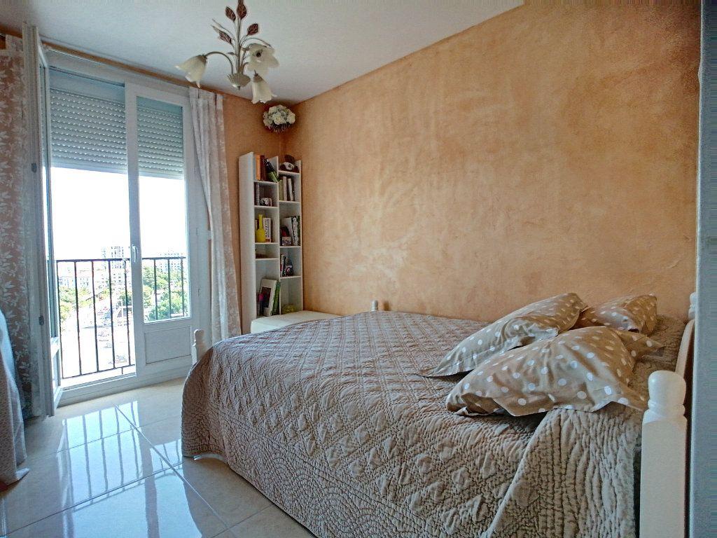 Appartement à vendre 4 92m2 à Perpignan vignette-3