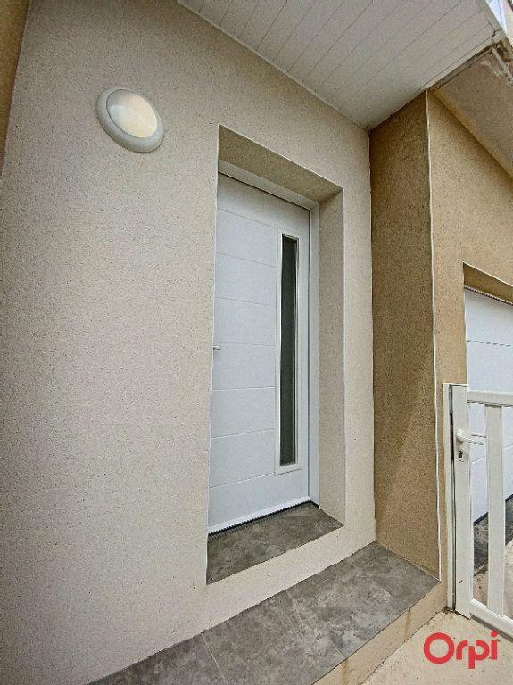 Maison à louer 4 89.95m2 à Ponteilla vignette-2