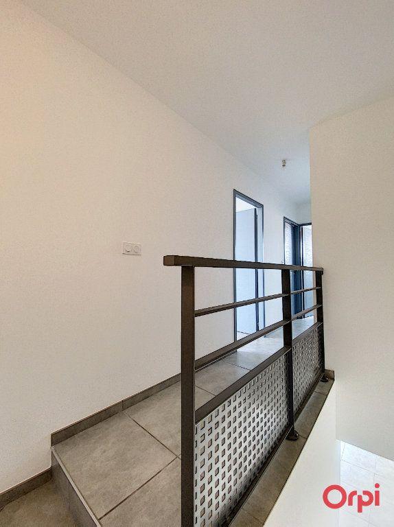 Maison à louer 4 89.95m2 à Ponteilla vignette-7