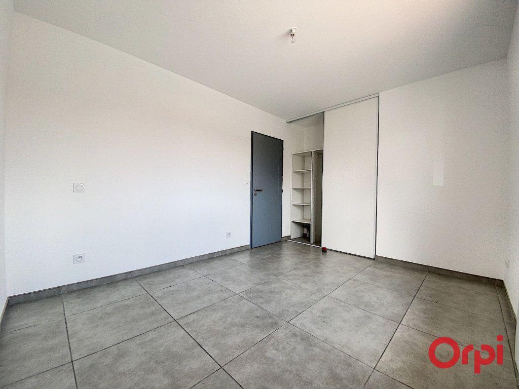Maison à louer 4 89.95m2 à Ponteilla vignette-9