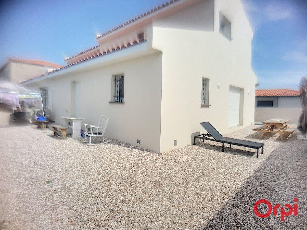 Maison à louer 4 89.95m2 à Ponteilla vignette-12