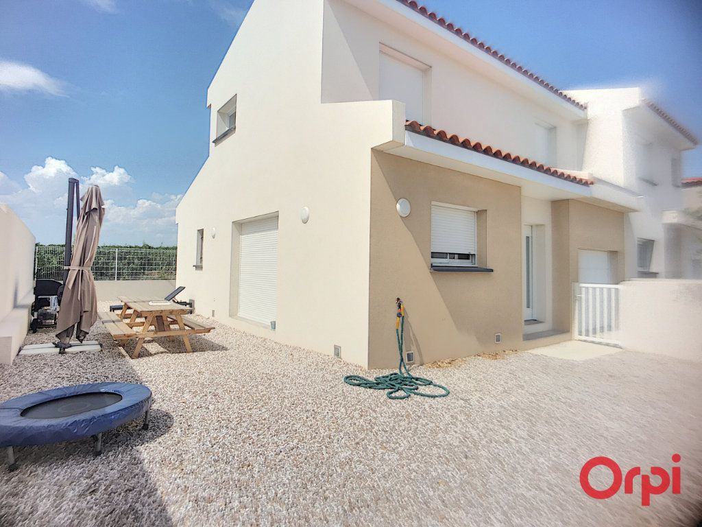 Maison à louer 4 89.95m2 à Ponteilla vignette-13