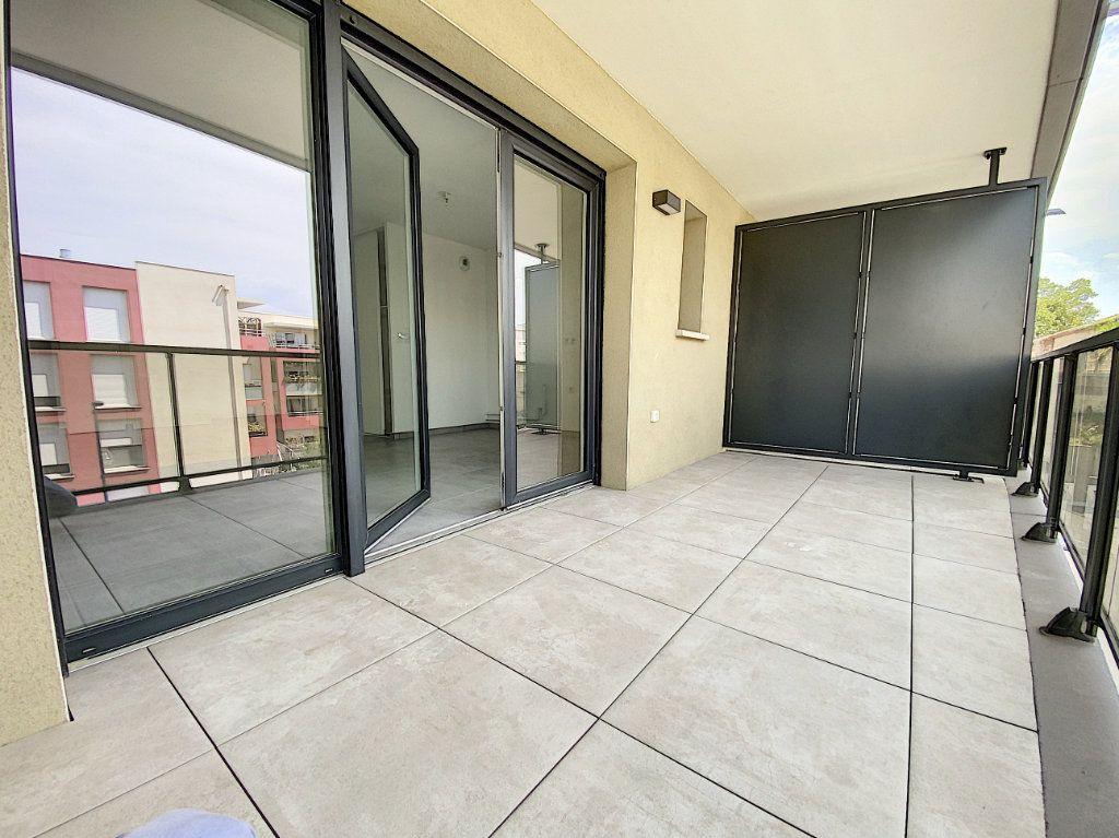 Appartement à louer 3 65.51m2 à Perpignan vignette-2