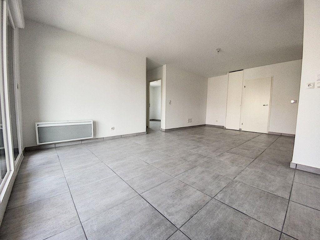 Appartement à louer 3 65.51m2 à Perpignan vignette-4