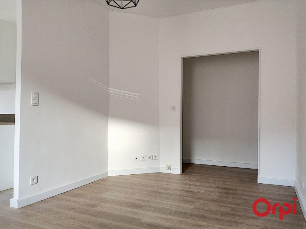 Appartement à louer 3 54.11m2 à Perpignan vignette-3