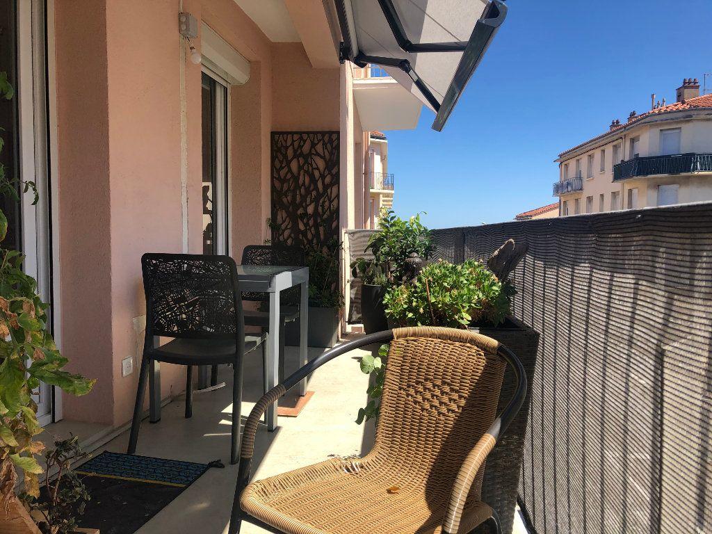 Appartement à vendre 5 140m2 à Perpignan vignette-2