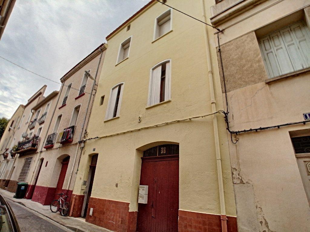 Immeuble à vendre 0 150m2 à Perpignan vignette-1