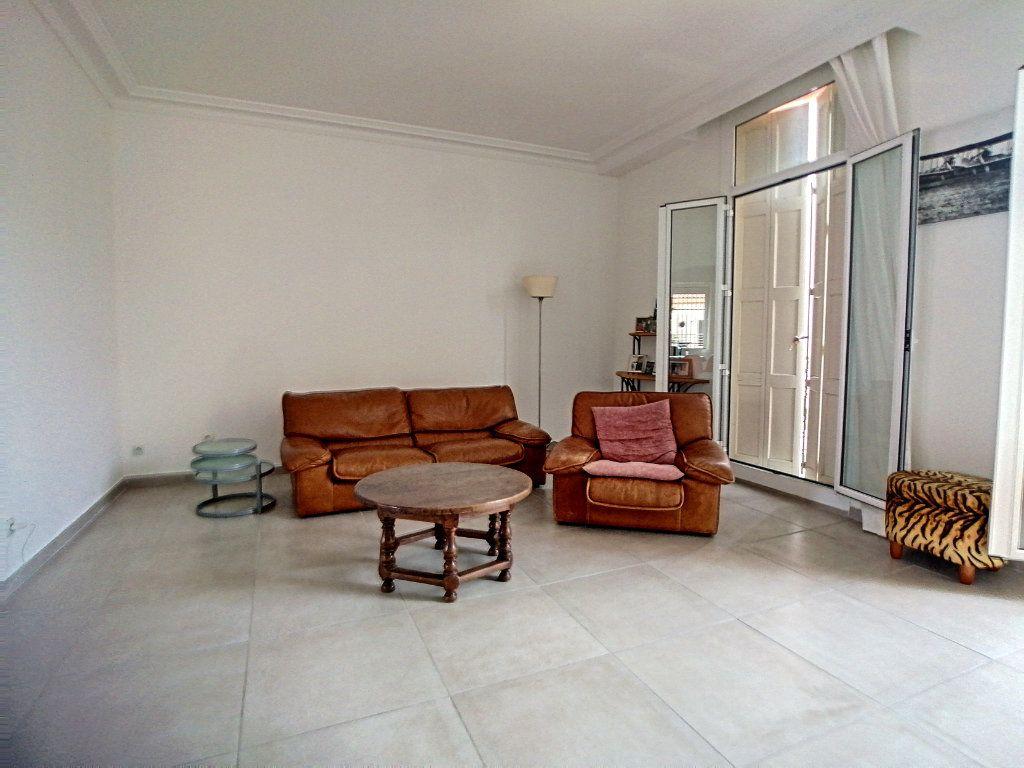 Maison à vendre 8 430m2 à Perpignan vignette-4