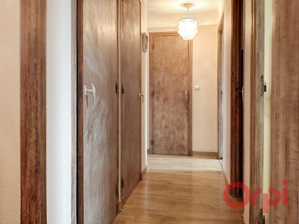Appartement à louer 3 64.7m2 à Perpignan vignette-5