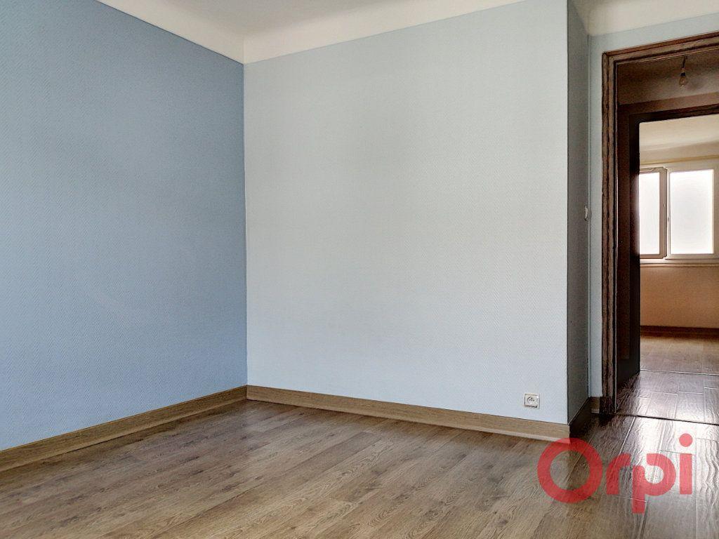 Appartement à louer 3 64.7m2 à Perpignan vignette-7