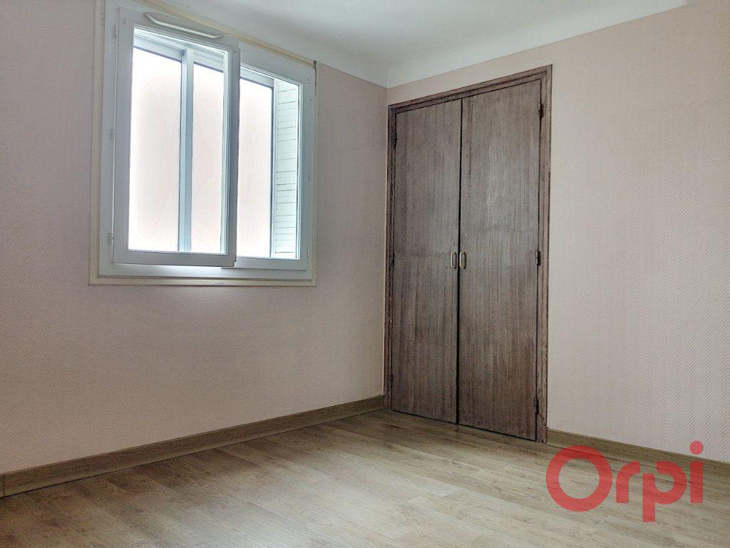Appartement à louer 3 64.7m2 à Perpignan vignette-8