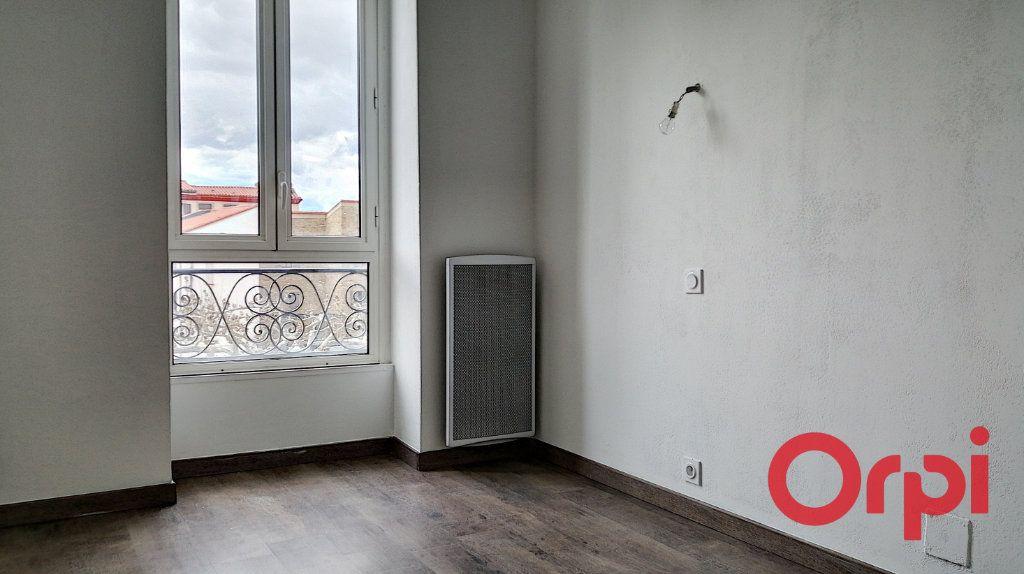 Appartement à louer 3 60m2 à Prades vignette-2
