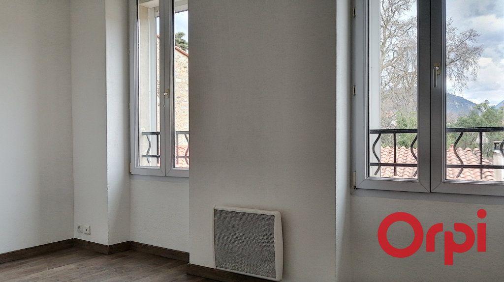 Appartement à louer 3 60m2 à Prades vignette-4