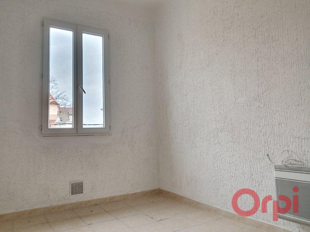 Appartement à louer 1 28.74m2 à Perpignan vignette-1
