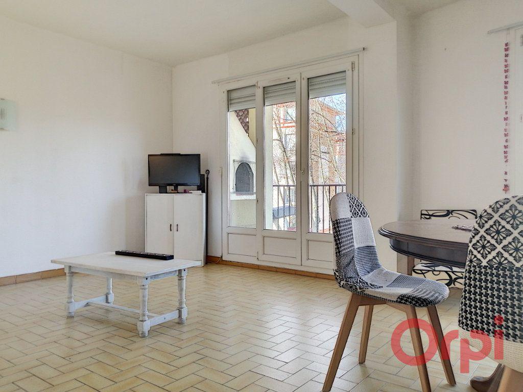 Appartement à louer 4 83.49m2 à Perpignan vignette-1