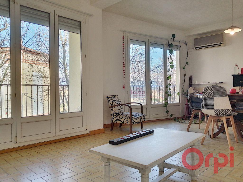 Appartement à louer 4 83.49m2 à Perpignan vignette-3