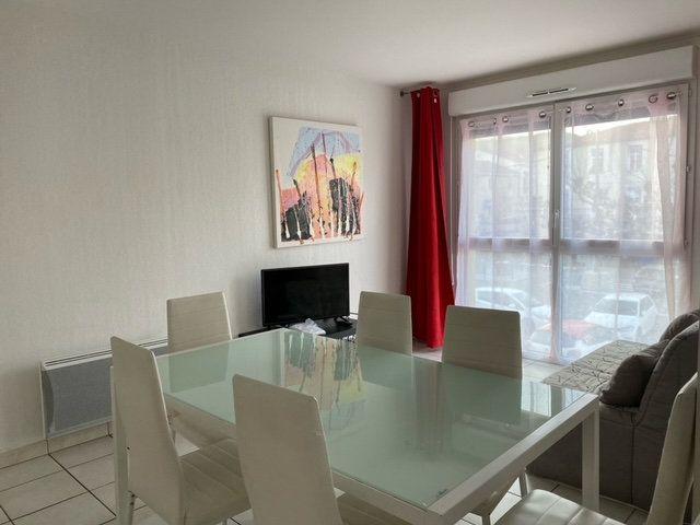 Appartement à louer 3 55m2 à Prades vignette-3