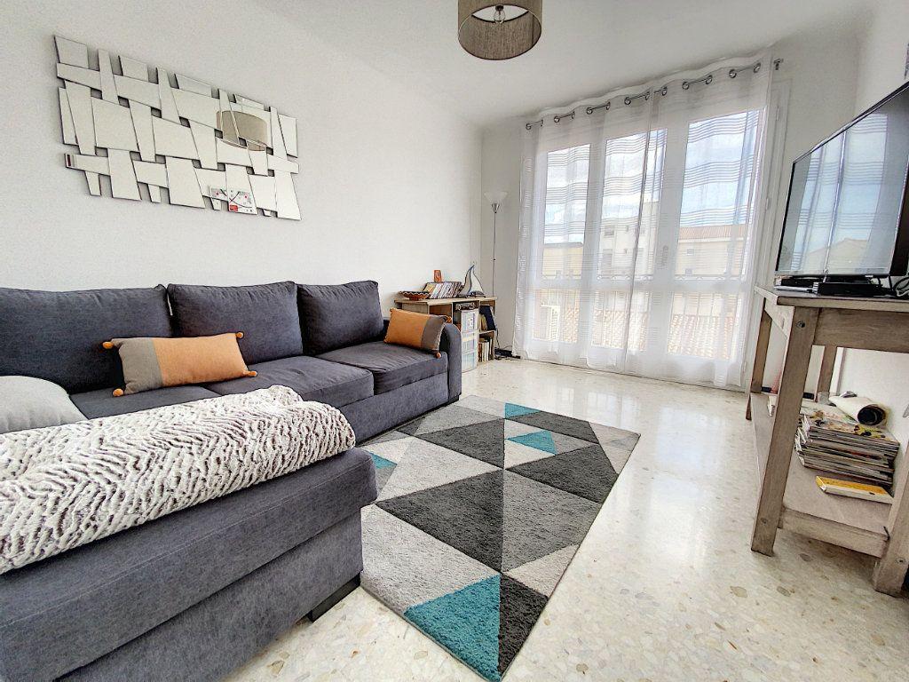 Appartement à vendre 4 80.81m2 à Perpignan vignette-2