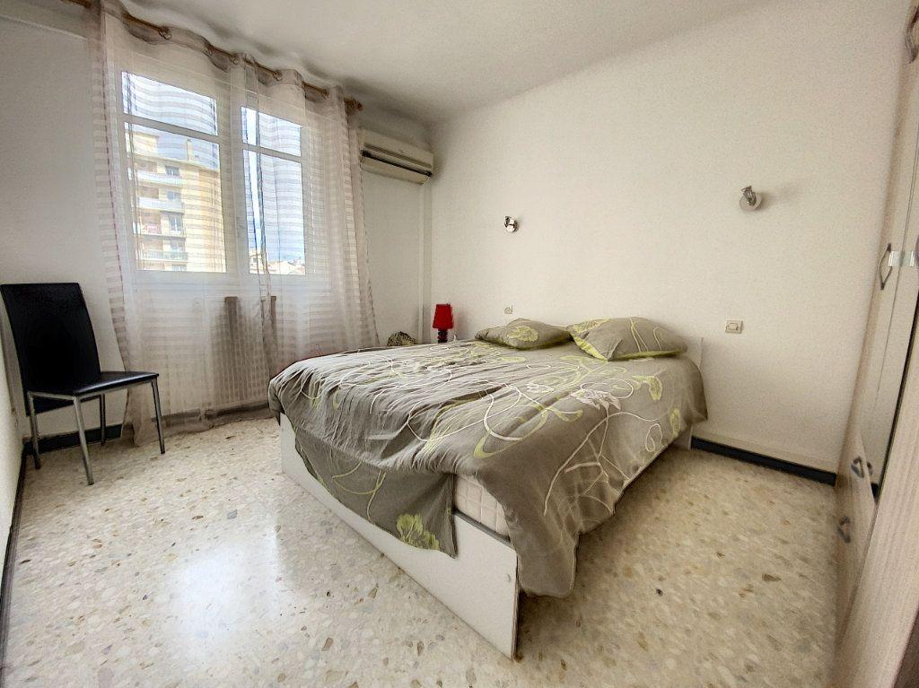 Appartement à vendre 4 80.81m2 à Perpignan vignette-4