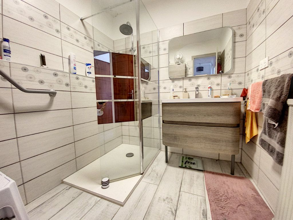 Appartement à vendre 4 80.81m2 à Perpignan vignette-6