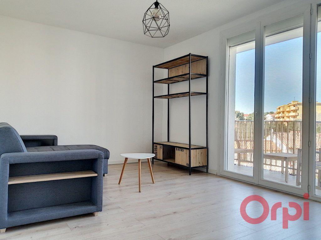 Appartement à louer 2 43.45m2 à Perpignan vignette-2