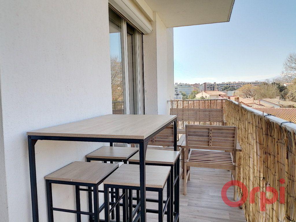 Appartement à louer 2 43.45m2 à Perpignan vignette-8