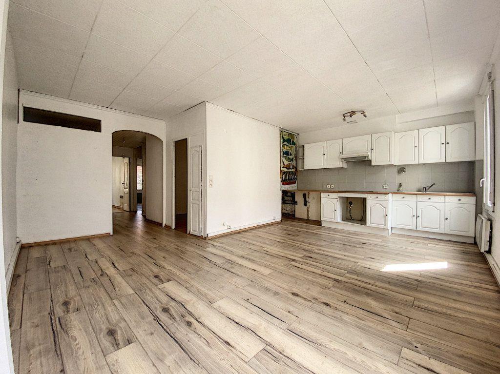 Appartement à vendre 4 69m2 à Perpignan vignette-2