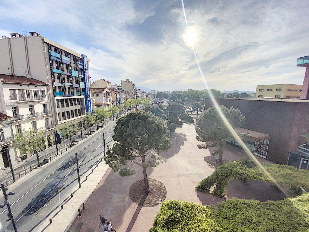 Appartement à vendre 3 75.54m2 à Perpignan vignette-2