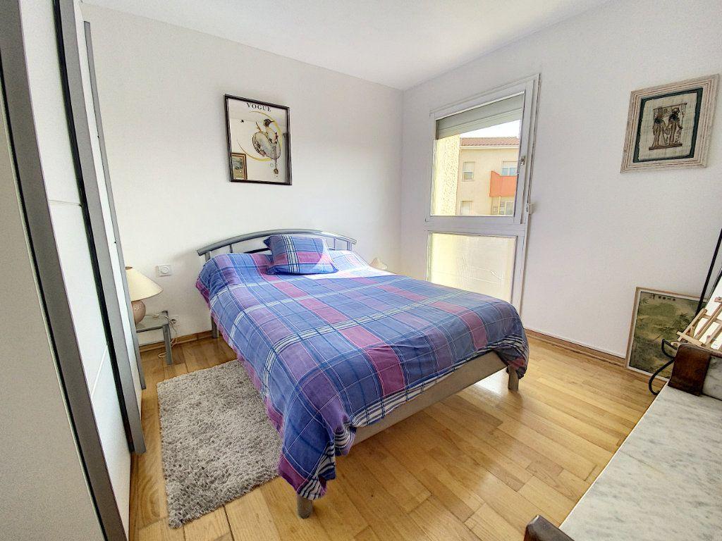 Appartement à vendre 3 66m2 à Perpignan vignette-4