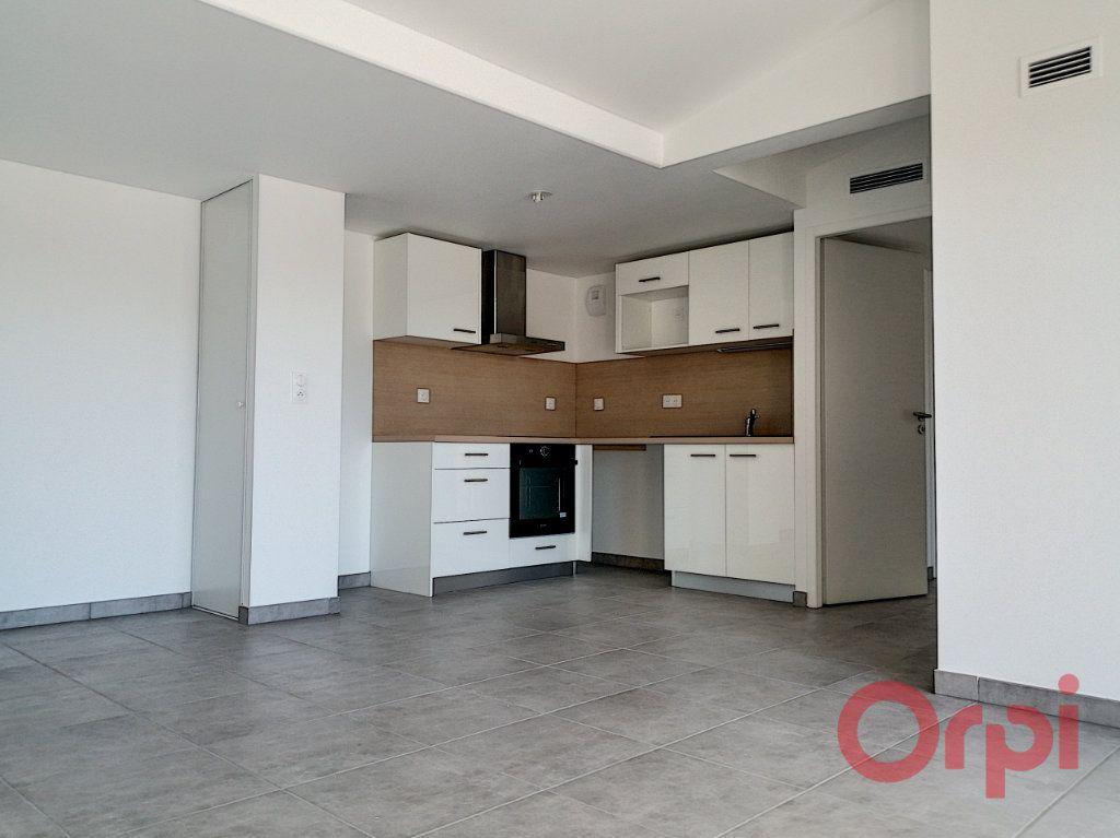 Appartement à louer 3 60.7m2 à Argelès-sur-Mer vignette-4