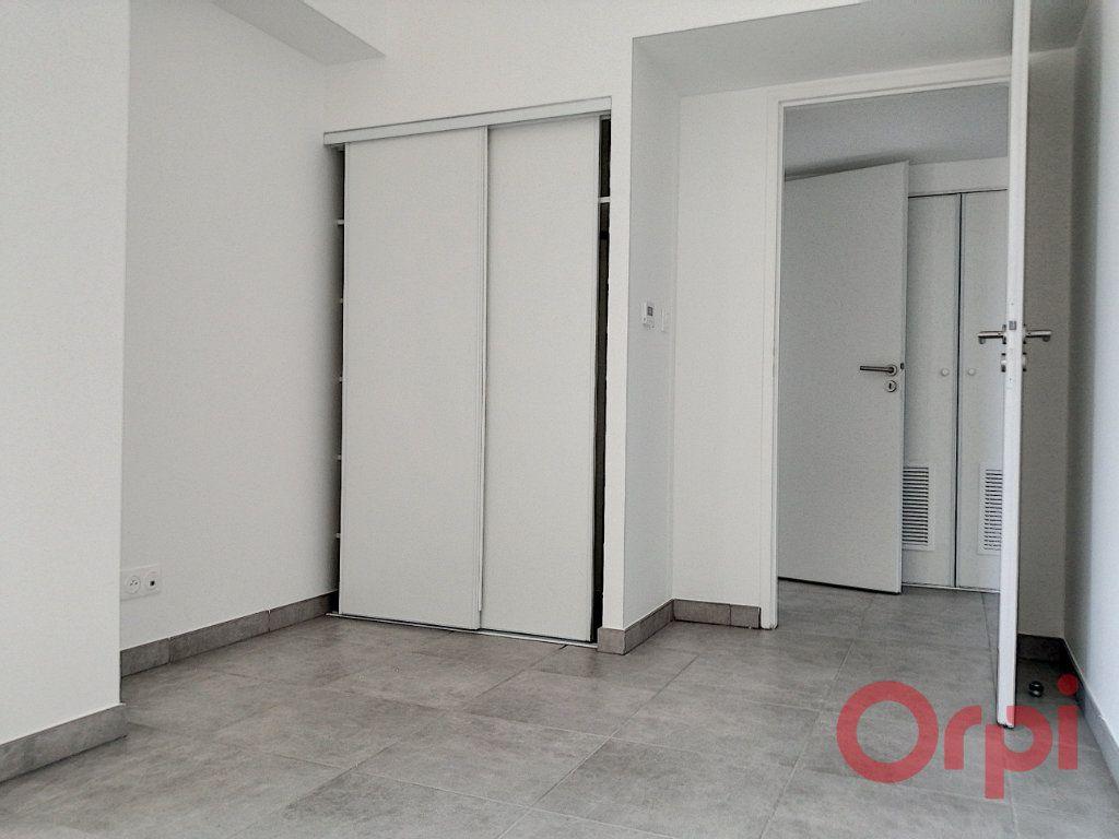 Appartement à louer 3 60.7m2 à Argelès-sur-Mer vignette-6