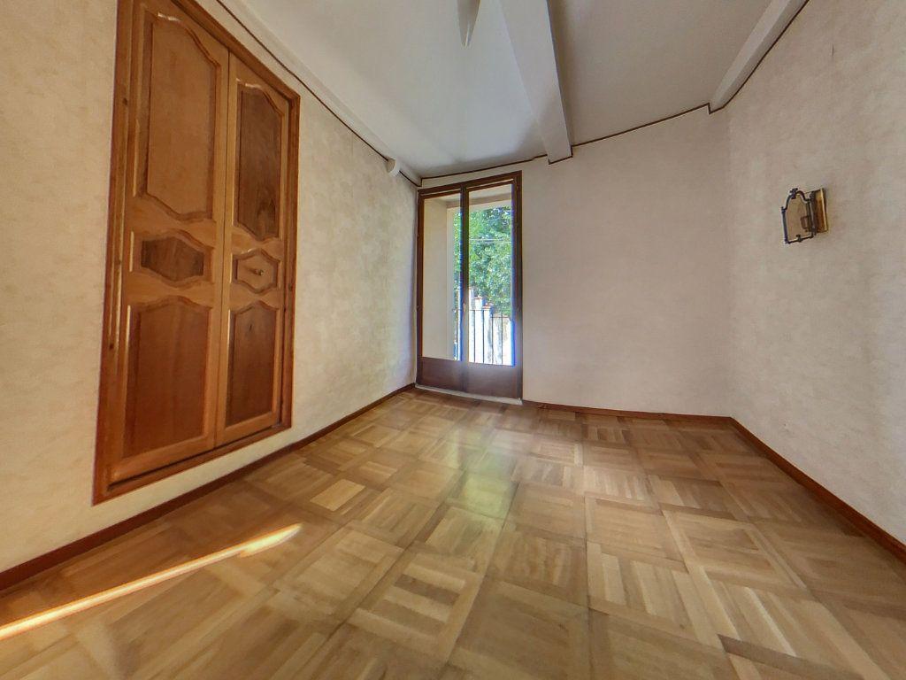 Maison à louer 4 116.1m2 à Prades vignette-3