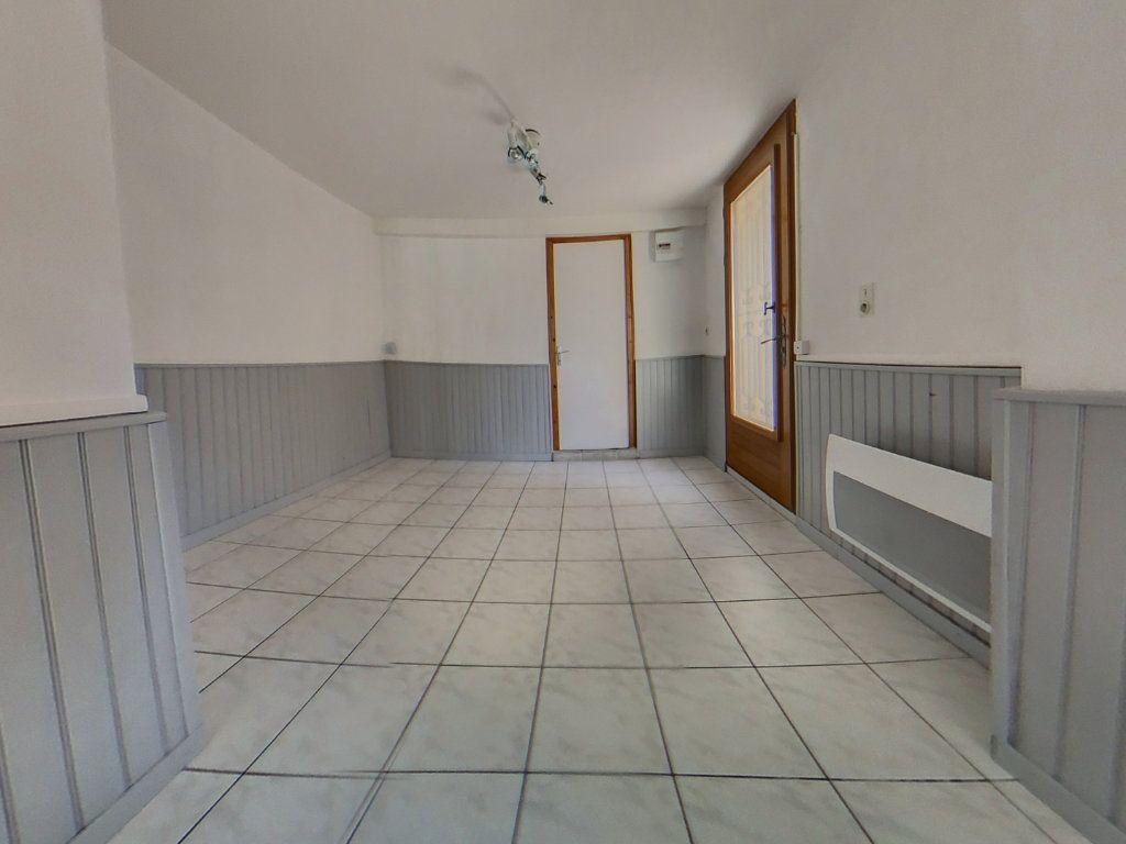 Maison à louer 4 116.1m2 à Prades vignette-6