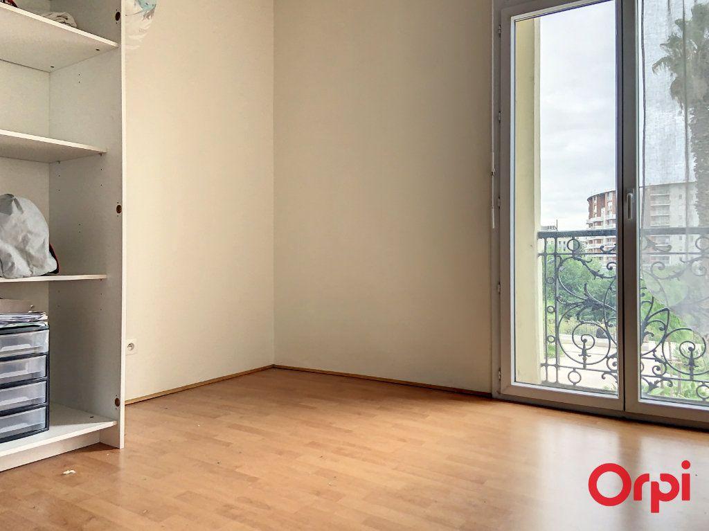 Appartement à louer 3 56.83m2 à Perpignan vignette-5