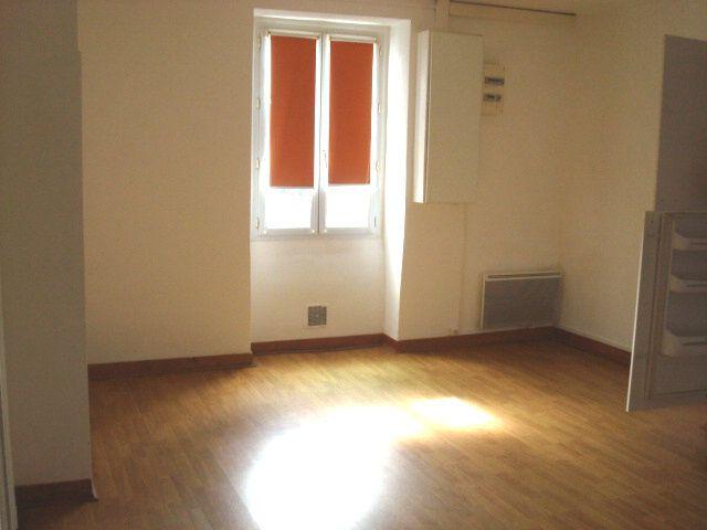 Appartement à louer 3 63.55m2 à Guérande vignette-5