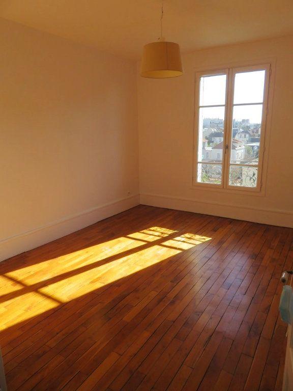 Appartement à louer 3 59.36m2 à Enghien-les-Bains vignette-1