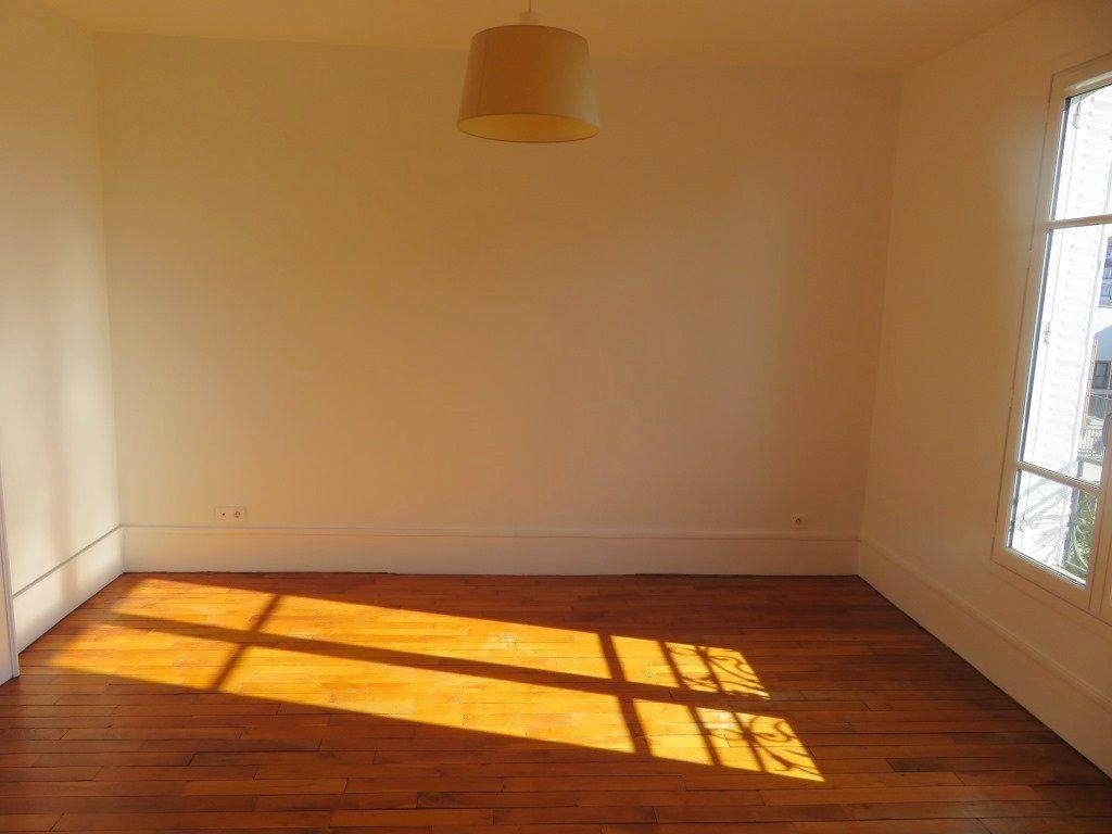 Appartement à louer 3 59.36m2 à Enghien-les-Bains vignette-9