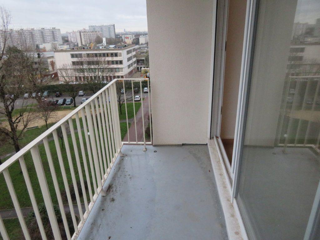 Appartement à vendre 4 71.23m2 à Épinay-sur-Seine vignette-3