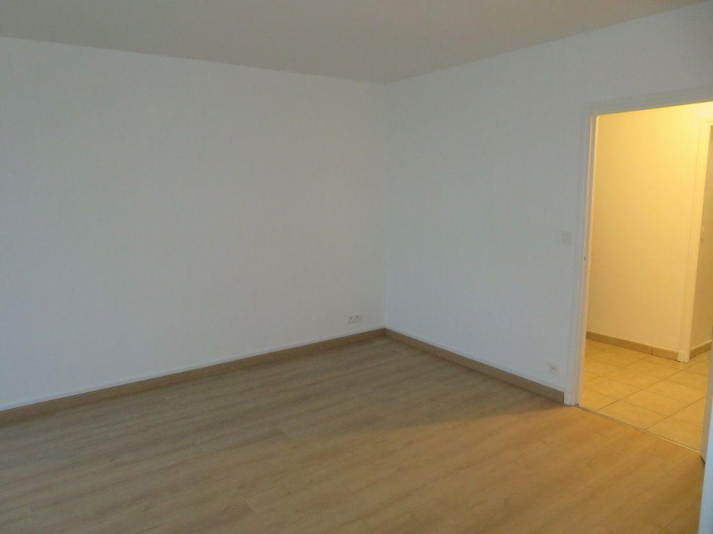 Appartement à vendre 4 71.23m2 à Épinay-sur-Seine vignette-6