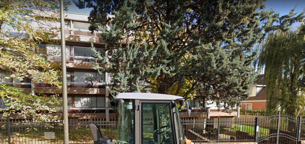 Appartement à louer 1 24m2 à Rosny-sous-Bois vignette-1