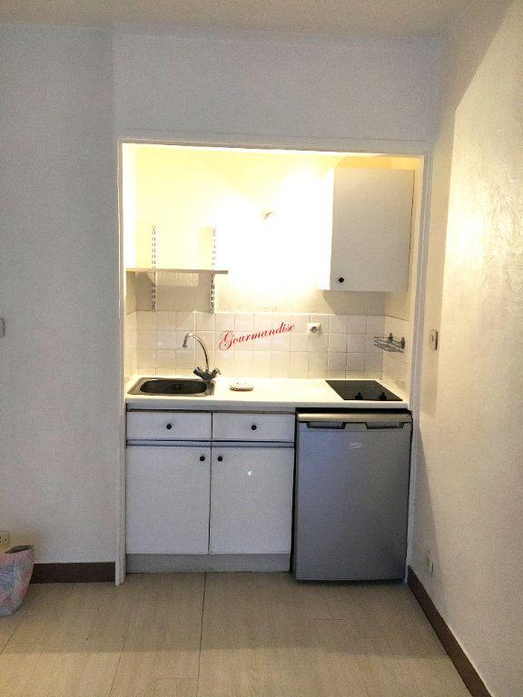 Appartement à louer 1 24m2 à Rosny-sous-Bois vignette-3