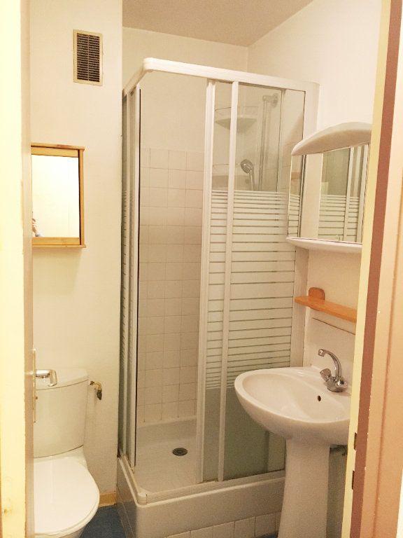 Appartement à louer 1 24m2 à Rosny-sous-Bois vignette-4