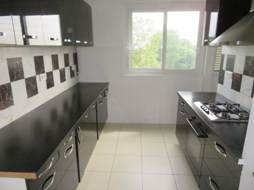 Appartement à louer 3 62.13m2 à Épinay-sur-Seine vignette-3