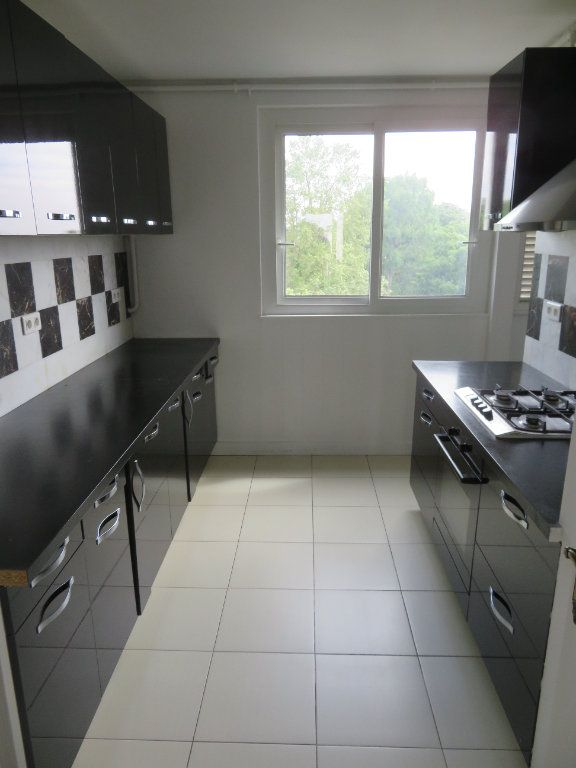 Appartement à louer 3 62.13m2 à Épinay-sur-Seine vignette-4