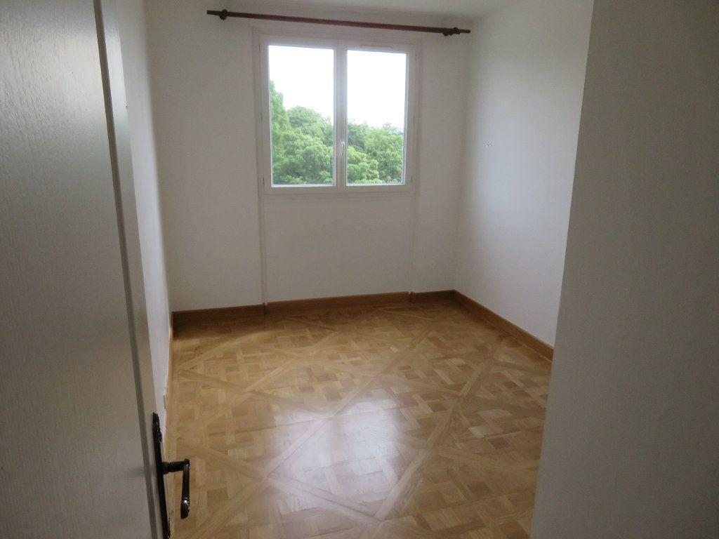 Appartement à louer 3 62.13m2 à Épinay-sur-Seine vignette-9