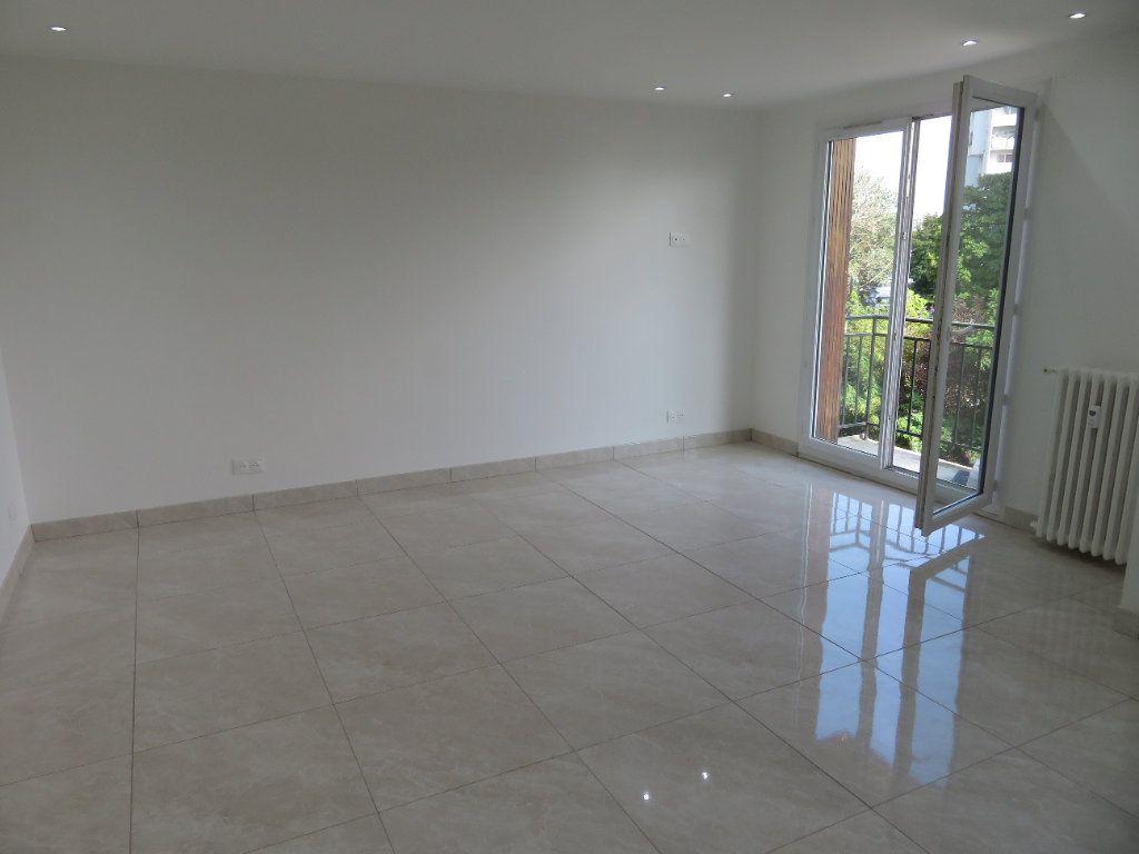 Appartement à louer 2 43.46m2 à Villetaneuse vignette-2