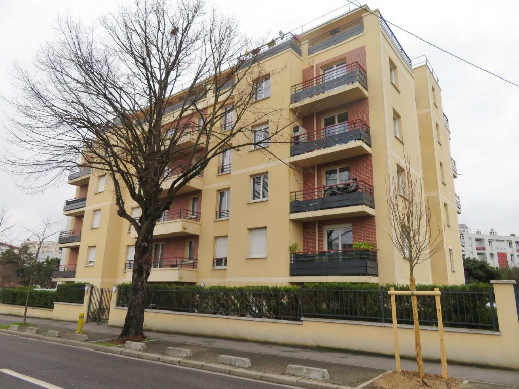 Appartement à vendre 4 75.29m2 à Épinay-sur-Seine vignette-1